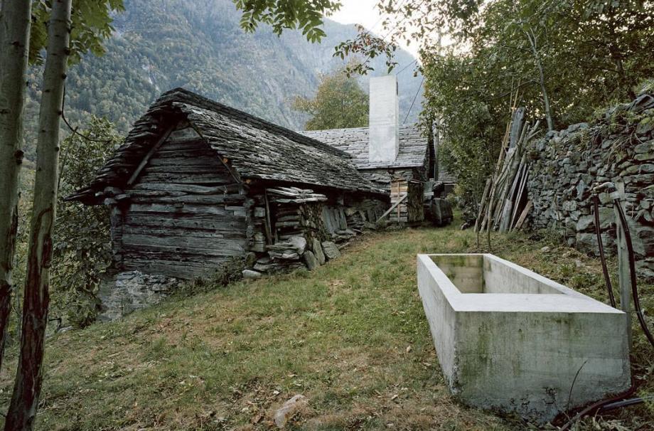 200-летний сложенный каменный дом в Linescio, Швейцария