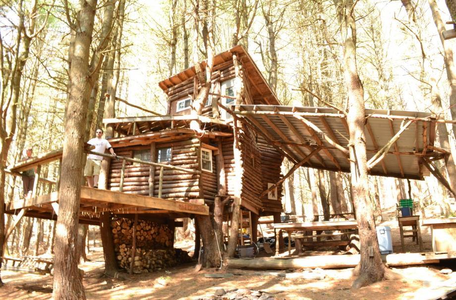 многоуровневый деревянный дом