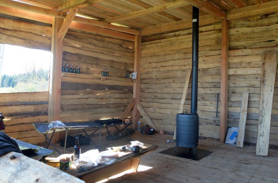 Дом/Сарайчик ручной сборки из местной пихты в Haute-Loire, Франция